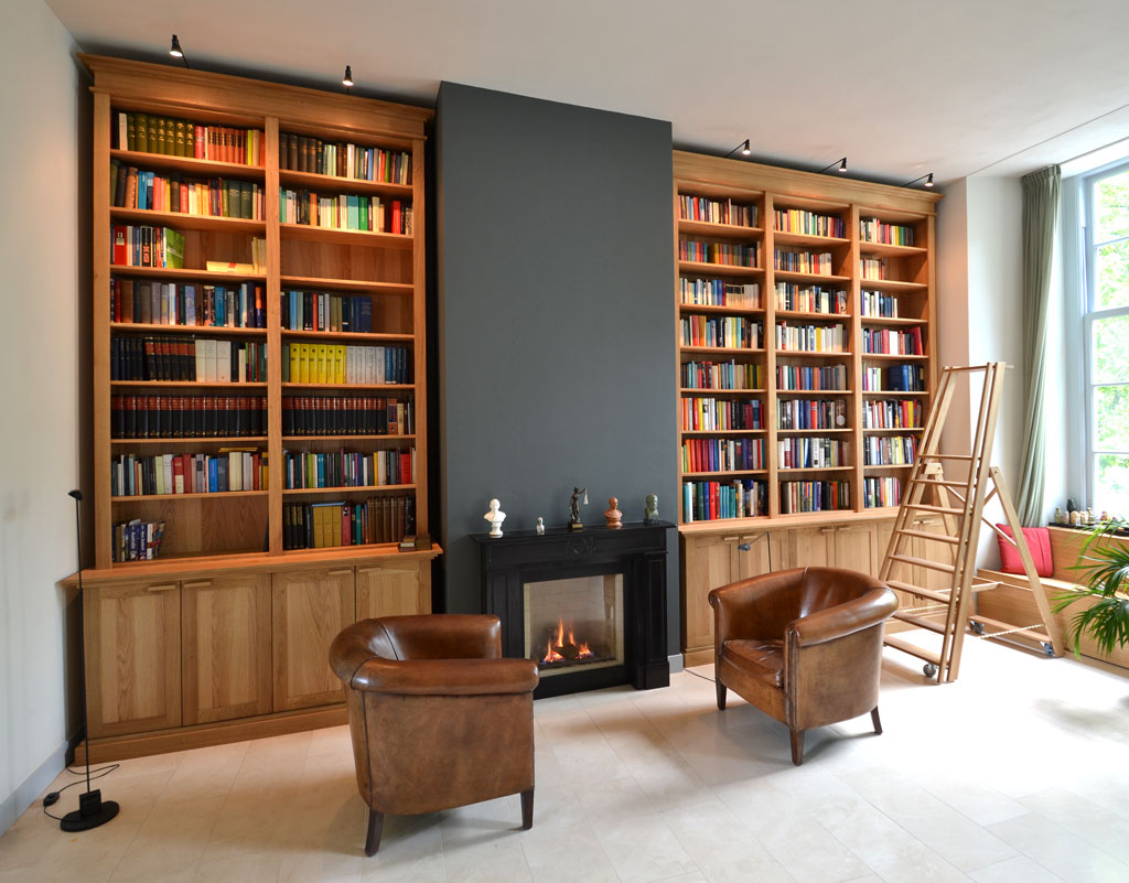 bookcases made ​​of oak