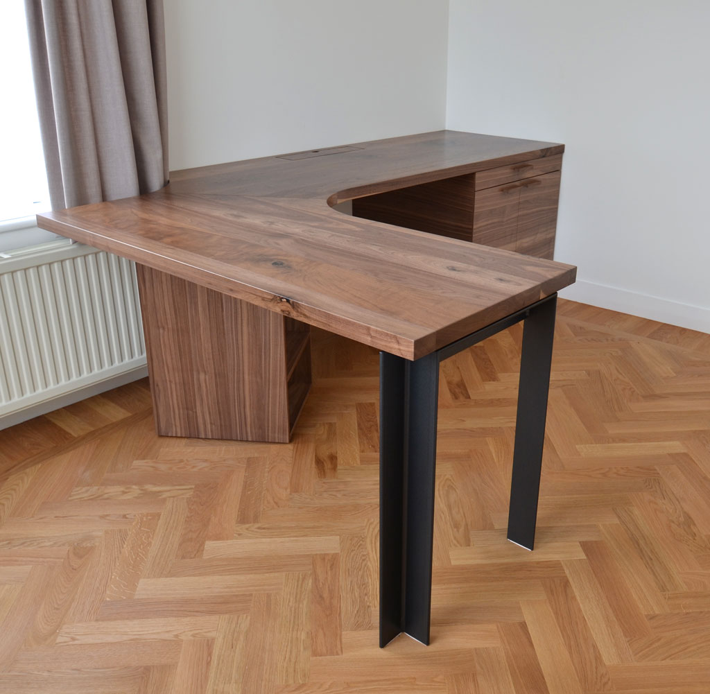 corner desk made of walnut