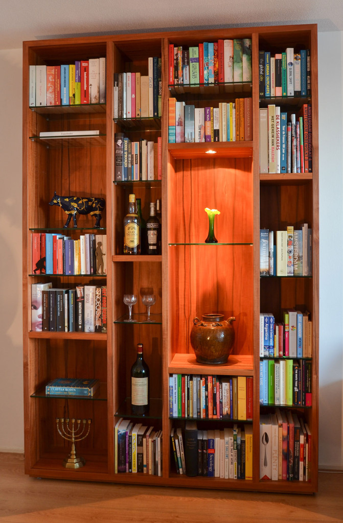 bookcase Indian Apple / Tineo wood