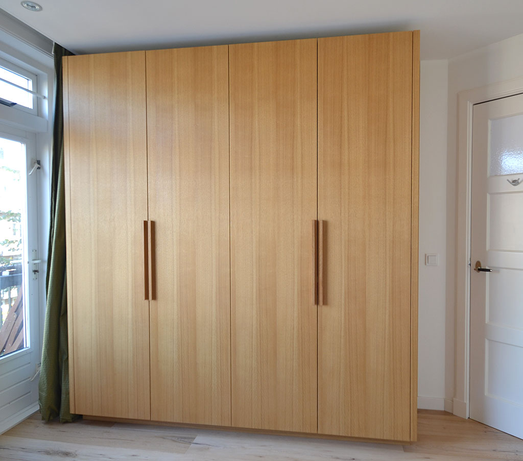 wardrobe made of oak